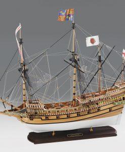 REVENGE 1577 Amati: kit di montaggio in legno AM 1300/08