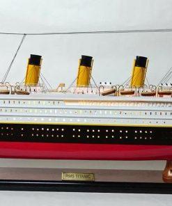 RMS TITANIC LIGHTS già montato